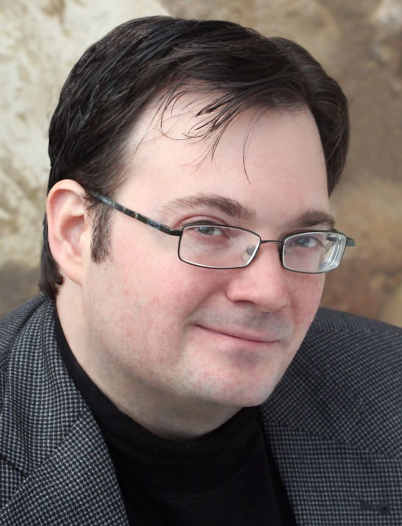 Brandon Sanderson The Stormlight Archive Words Of Radiance author pic