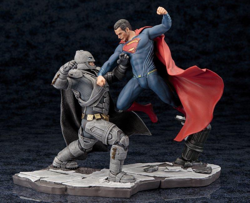 Kotobukiya ARTFX+ Batman V Superman Dawn Of Justice 03