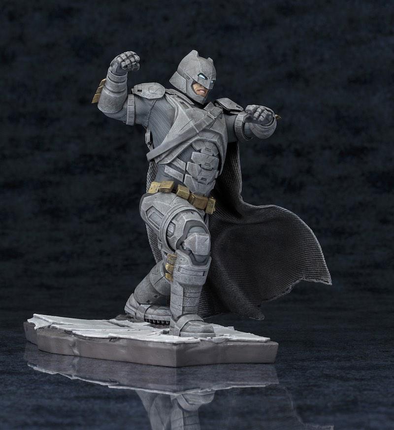 Kotobukiya ARTFX+ Batman V Superman Dawn Of Justice bats