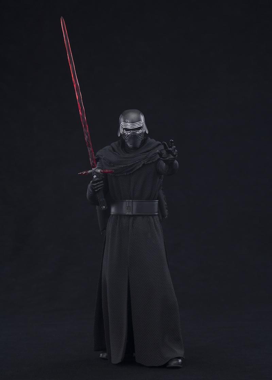 Kotobukiya Star Wars The Force Awakens Kylo Ren 01
